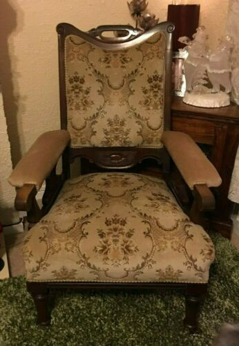 2 Victorian gentleman chairs with 4 matching dining room chairs