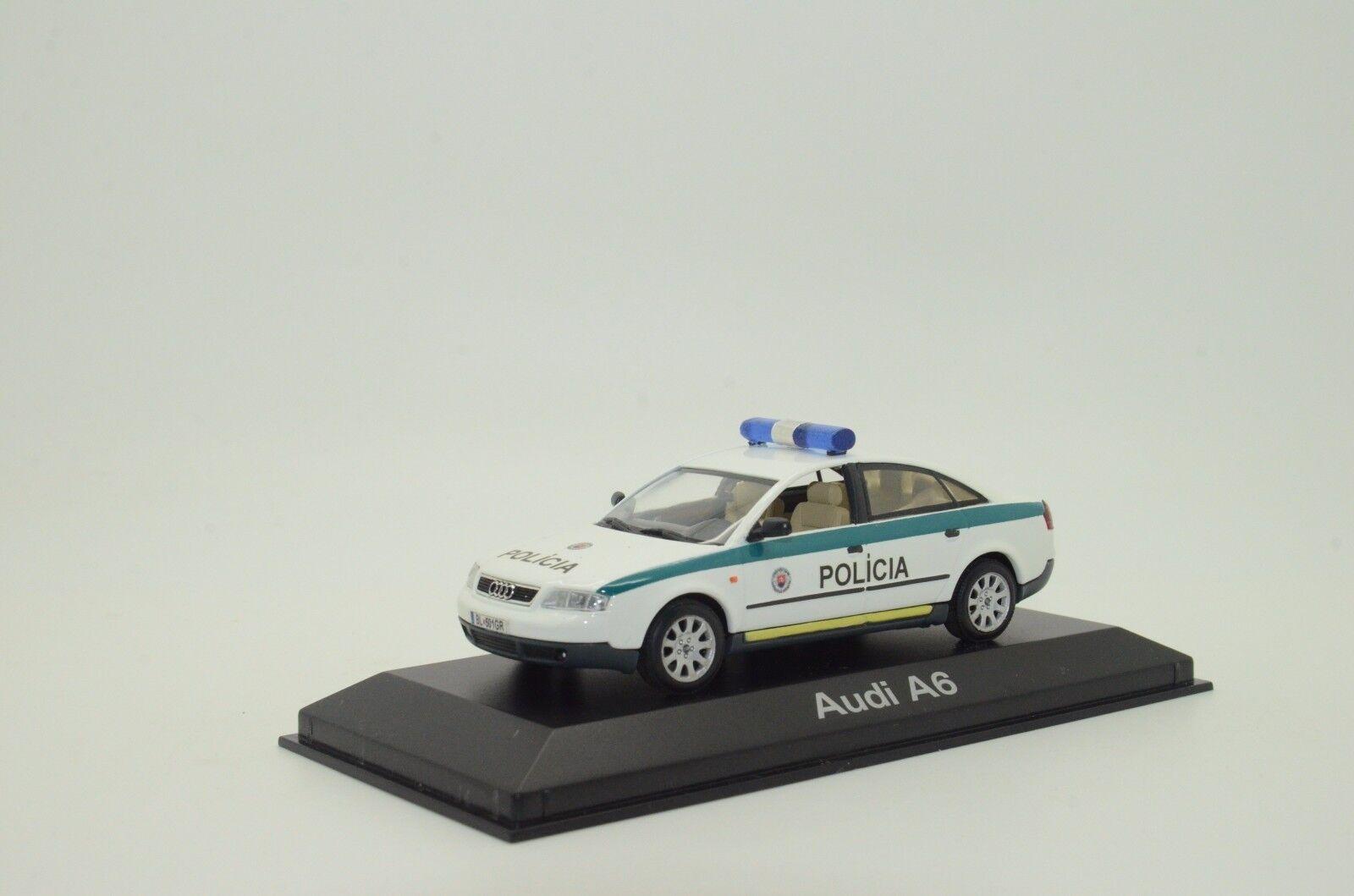 rara    Audi A6 POLICIA policía Eslovaquia Hecho a Medida 1 43