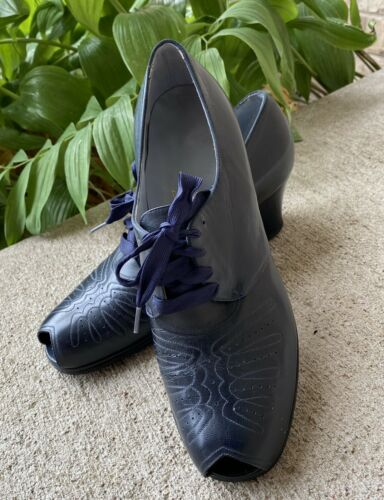 Vintage Dr. Locke 1940's Woman's Navy Oxford Shoes