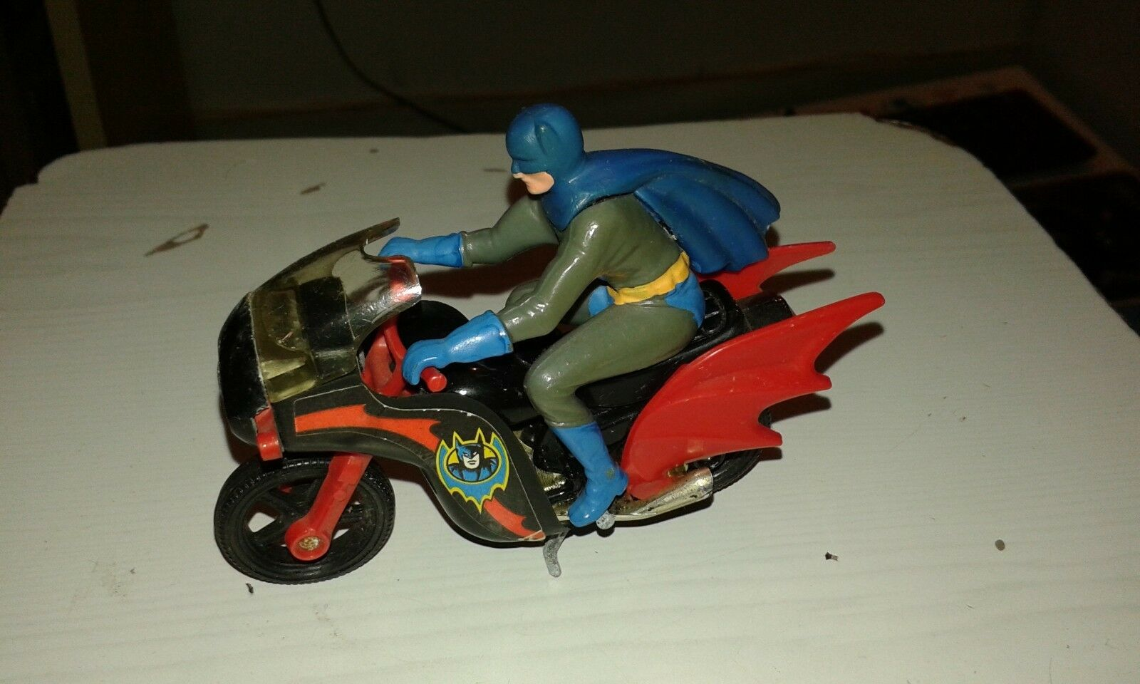 Moto Batman Corgi avec Personnage  Mini Helico