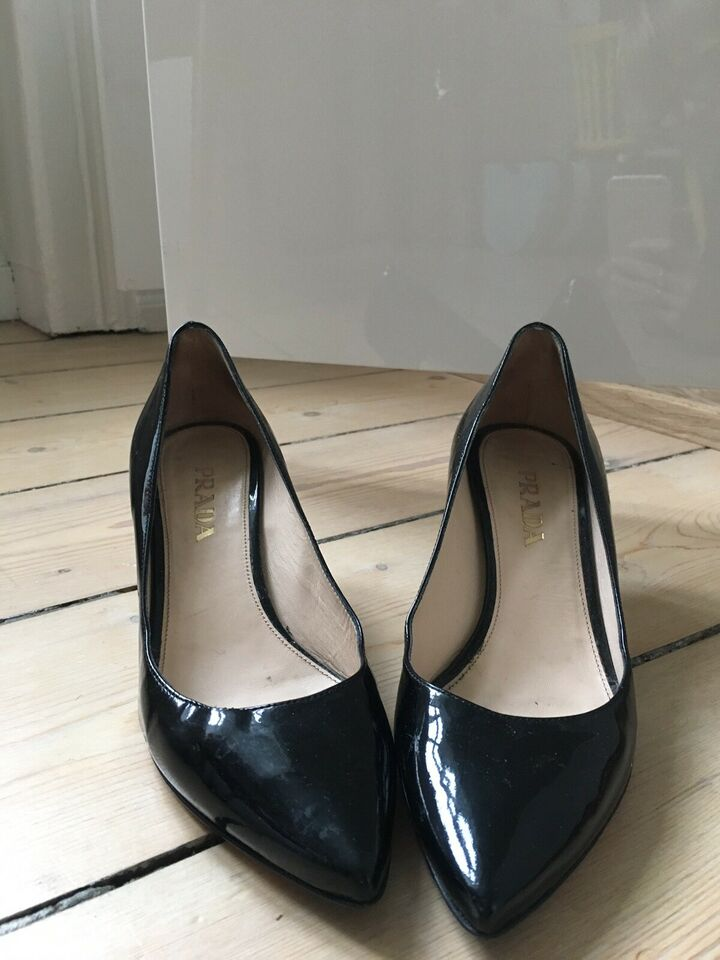 Pumps, str. 35, Prada