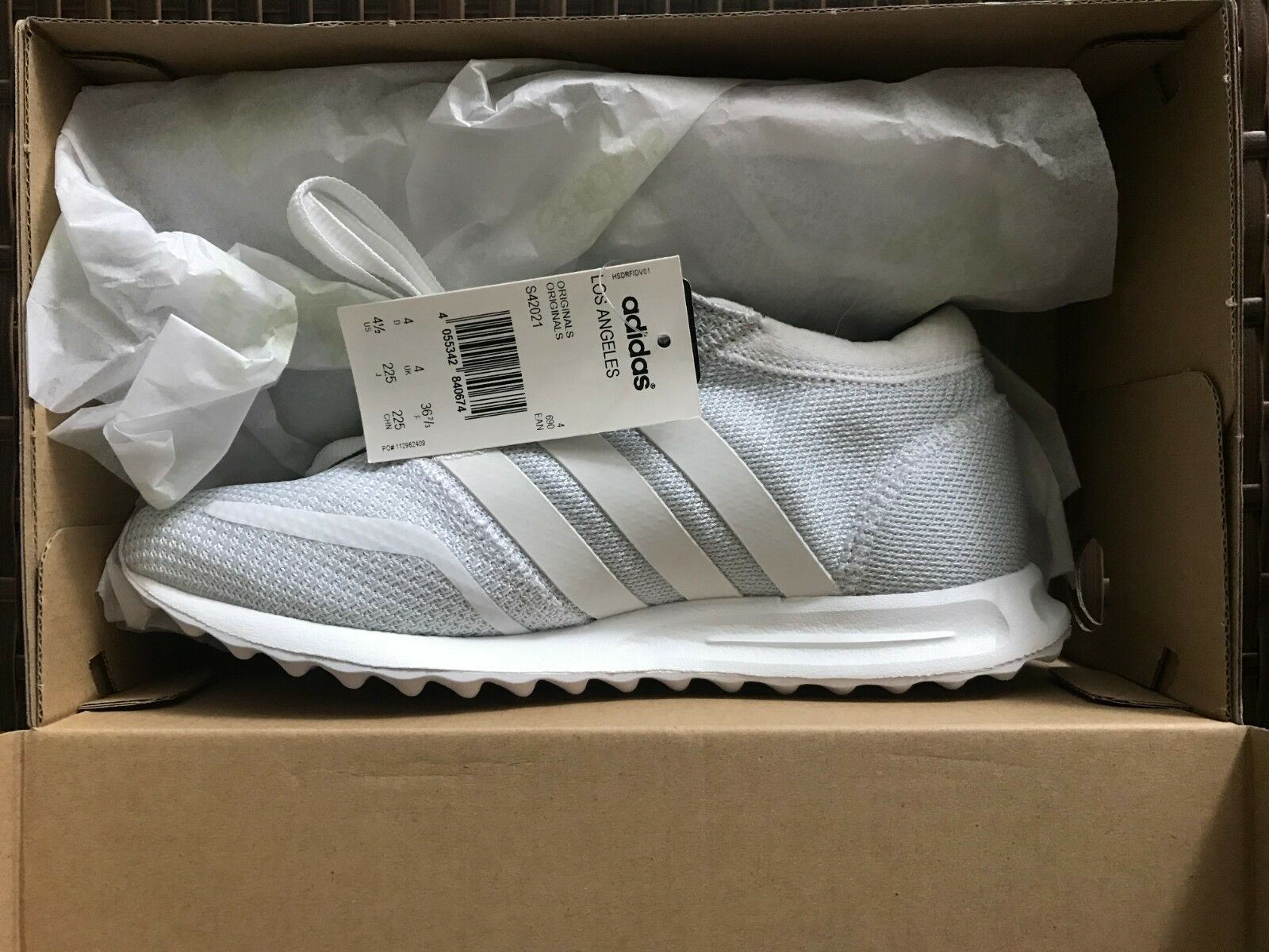 5d7da034cdcba Adidas Originals Los Los Los Angeles Triple White men s sneakers 4.5US  60c68d