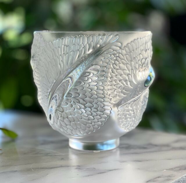 Lalique ANDROMEDA Vase, Feathered Design Clear & Frosted French Crystal  Mint