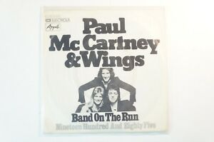 Paul-McCartney-amp-The-Wings-Band-on-the-Run-EMI-1C006-05635-B4358