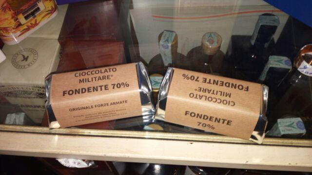 12  DADONI DA 50 GR cioccolato fondente 70% MILITARE