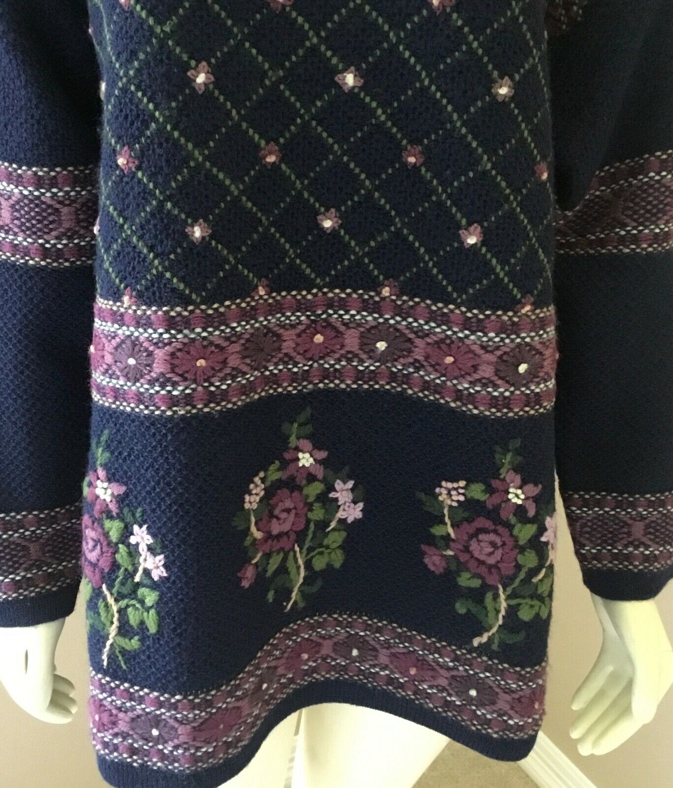 Vintage Laura Ashley 90s Floral 100% Wool Embroid… - image 4