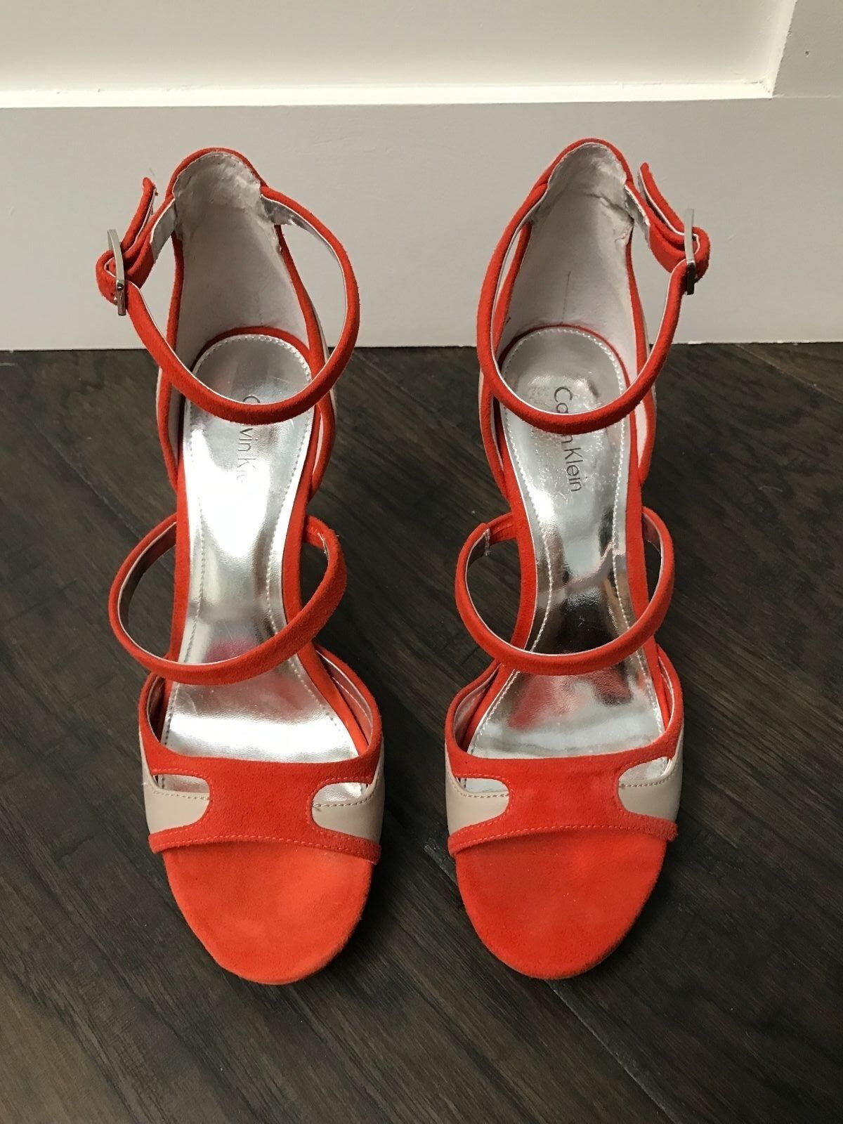 NEU Calvin Klein orange light Grau bone Strappy Vanicia Heels 7 1/2 7.5