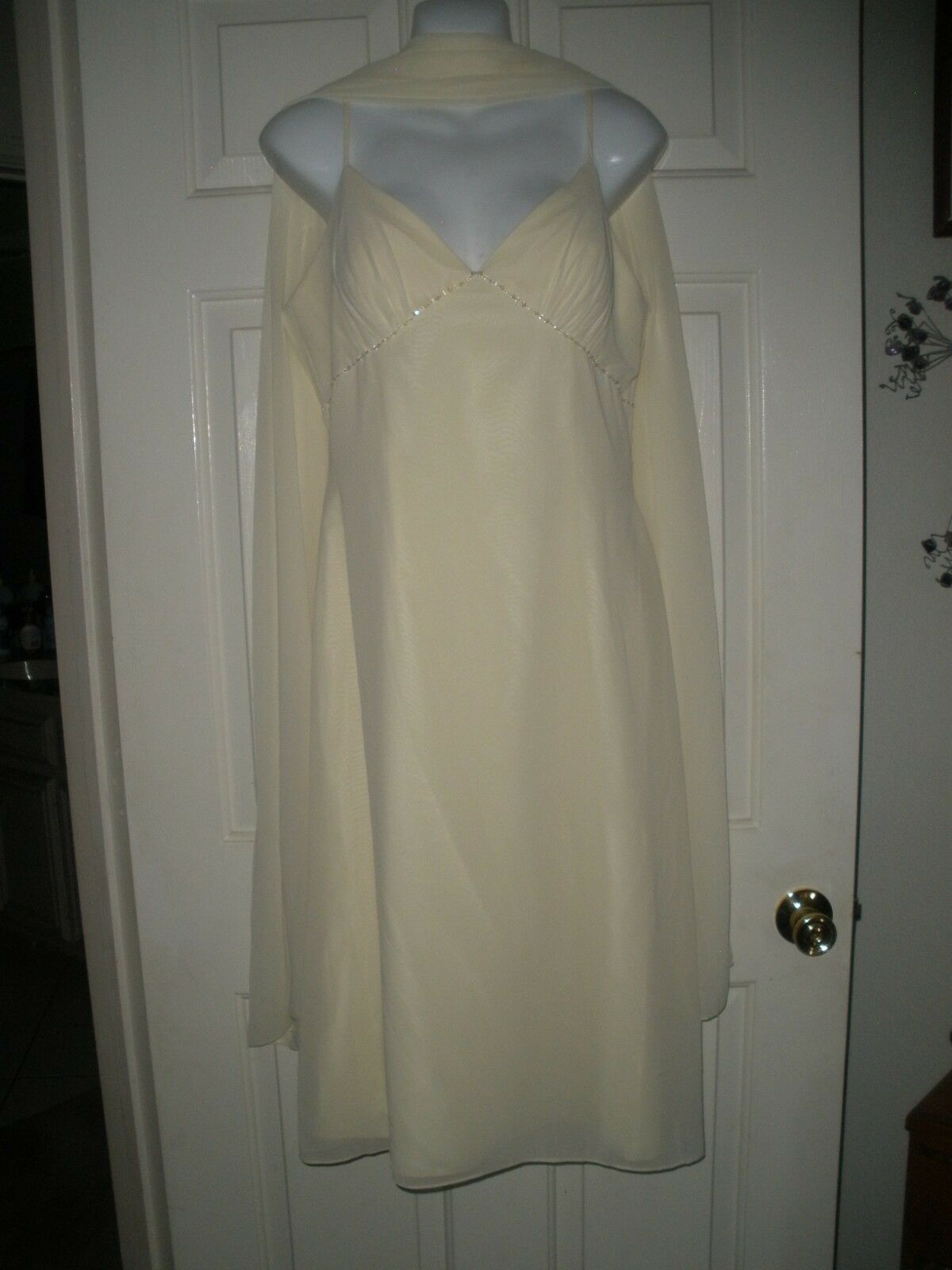 #349 Ginnis Formal Gown Dress 14 Lemon Cream Flowing Pageant New NWT Cocktail