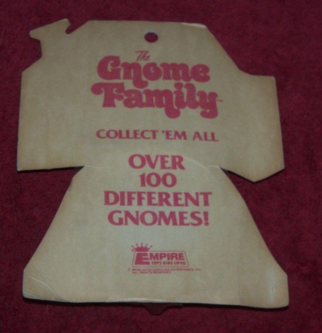2 The Gnome Family Family Family Empire Toys on Card RARE VTG 1978 PVC figure Hong Kong Smurf a85d22