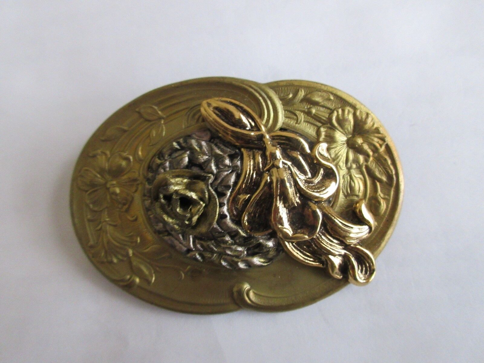 Ladies Pin , Gold Plate , Leaf , Unique Design , Vintag