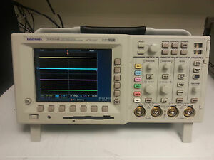 tektronix tds3034b digital storage oscilloscope 4 channel 300mhz 2 5 rh ebay com Tektronix Stereo Home Tektronix Website
