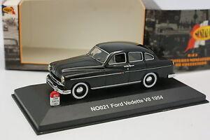 Nostalgie-1-43-Ford-Vedette-V8-1954-Noire