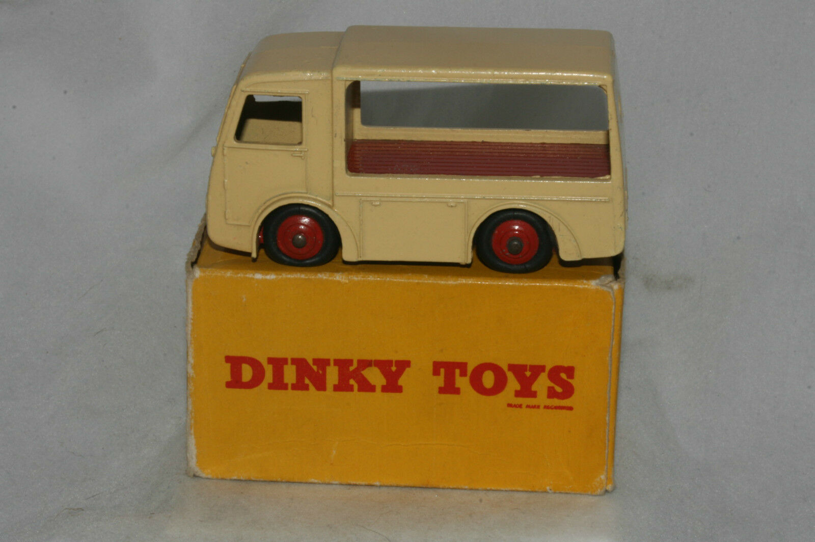 Dinky Electric Dairy Van (NCB), White, Mint Boxed