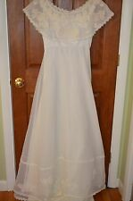 House of Bianchi Ivory Floral Embroidered Sleeveless Wedding Gown & Veil Size 10