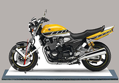 YAMAHA 1300 XJR EN HORLOGE MINIATURE-06 MOTO