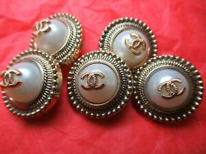 Chanel-5-buttons-22mm-lot-of-5-pearl-antique-gold-CC