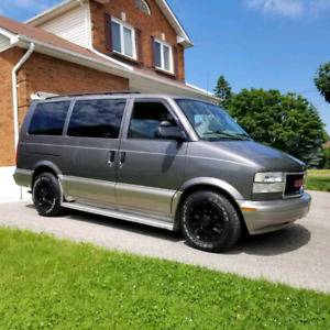 2005 GMC Safari SL