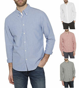 4c451d83ea8 Wrangler Men s Cotton Oxford Shirt Regular Fit Long Sleeve Button ...