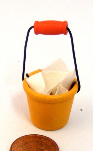 Échelle 1:12 en Plastique Seau Seau /& fixe tissu tumdee Dolls House Garden 220