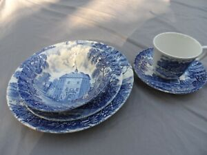 Royal-Essex-Shakespeare-Country-Blue-5-Pc-Place-Setting-Plates-Bowl-Cup-Saucer