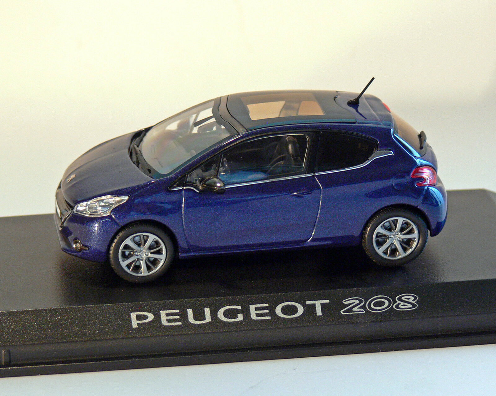 Peugeot 208 blau-Metallic, blau-Metallic, blau-Metallic, 1 43, NOREV  | Quality First