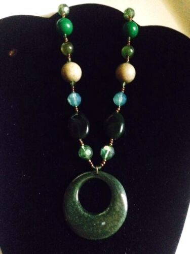LOT OF 2 COSTUME JEWELRY NECKLACE ASST GREEN BEADS 16-18 INCHES