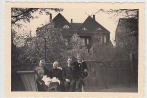 F29672-Orig-Foto-Buer-Personen-im-Garten-Springestrasse-35-1936