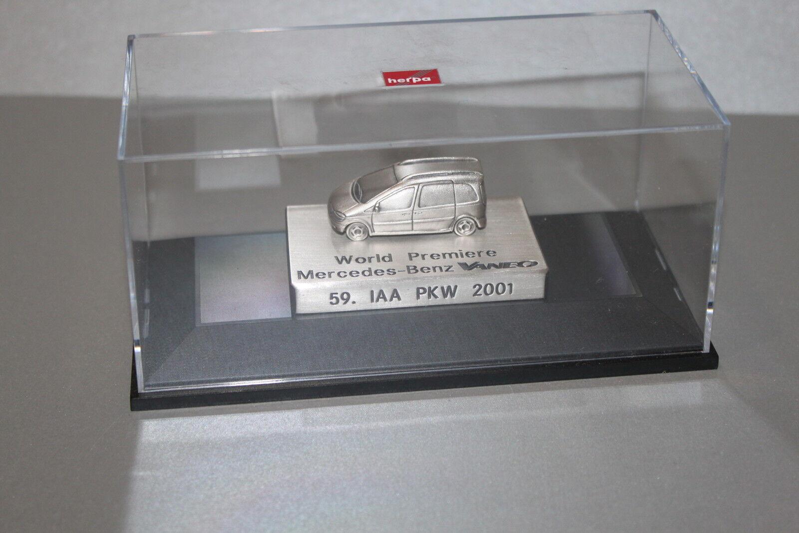 Herpa 1 87 World Premiere Mercedes-Benz Vaneo 59.IAA PKW 2001 2001 2001 in Vitrine 648906