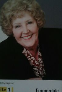 Betty-eagleton-emmerdale-unsigned-castcard
