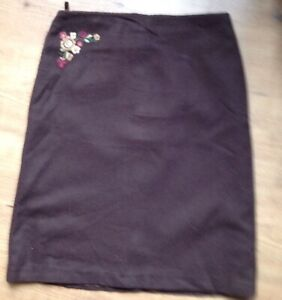 Ladies-size-36-brown-lined-woollen-with-embroided-motif-Hennes-Collection