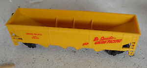 Vintage-HO-Scale-Bachmann-Union-Pacific-Hopper-Car