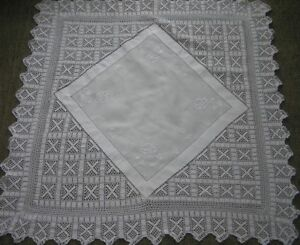 ANTIQUE-LINEN-TABLE-CLOTH-40-034-x-40-034-WHITE-ON-WHITE-EMBROIDERY-deep-crotchet-edge