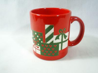 Waechtersbach Christmas Holiday Mug Cup Coffee Tea Red Wrapped Present Gift