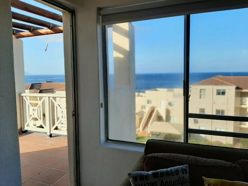 Stunning Penthouse with 64sqm private veranda and awesome sea views  6 pax Very good Income Earner