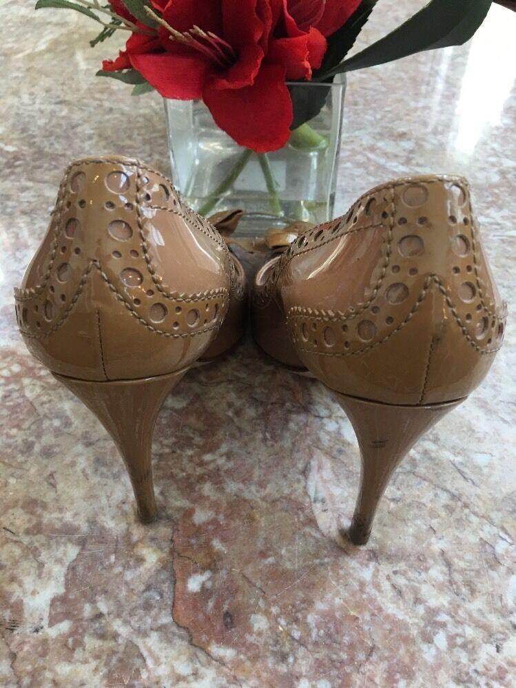 Miu Miu Classic Beige Perforated Patent Leder Bow Heel Classic Miu Pumps Schuhes Größe 6 3529ff