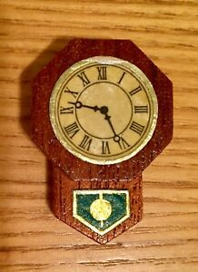 VERY-VINTAGE-LUNDBY-Dollhouse-Original-Dark-Wood-Wall-Clock-faux-RARE