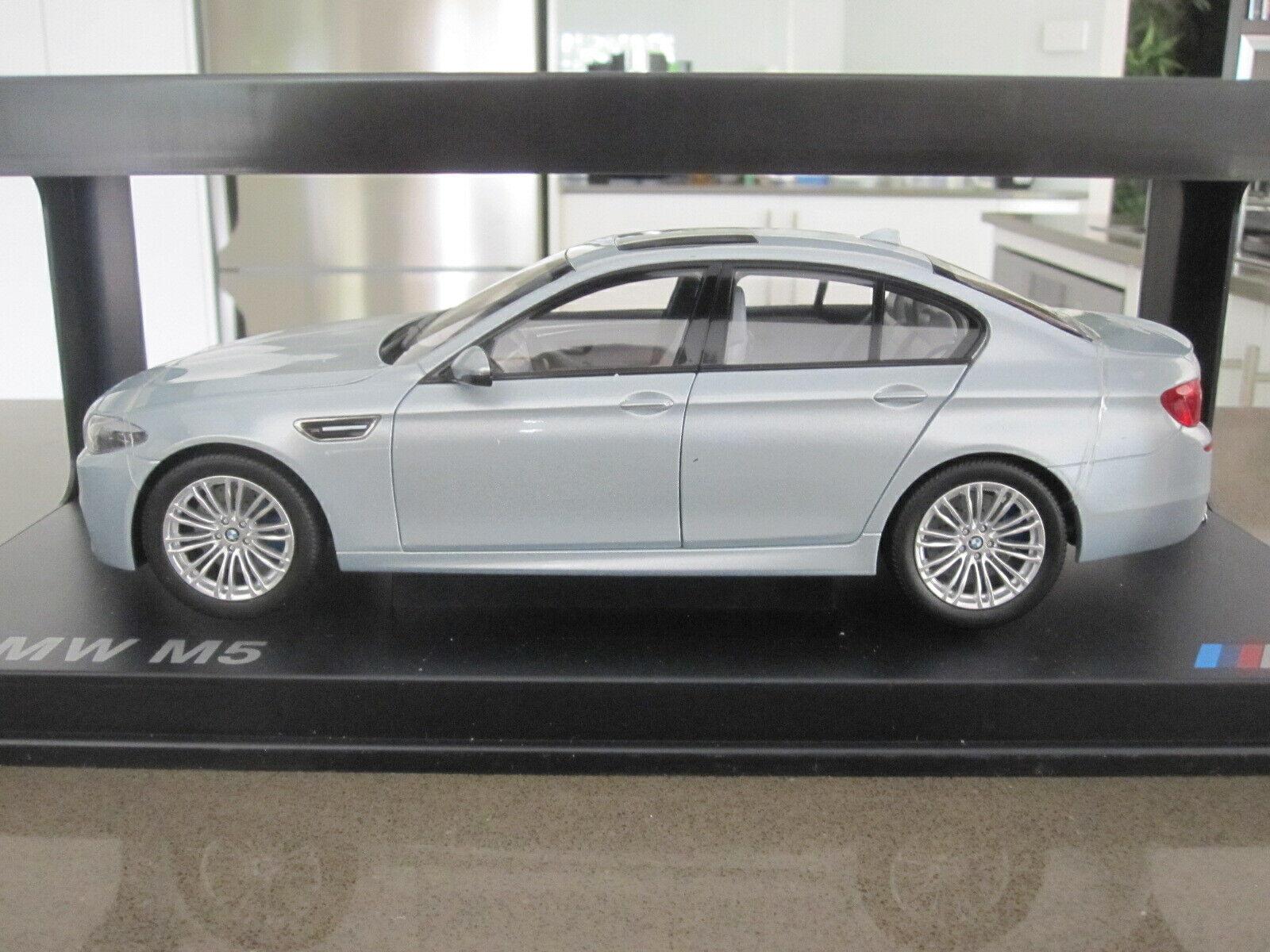 1 18 PARAGON BMW M5 BITURBO F10 SEDAN SilberSTONE NEW
