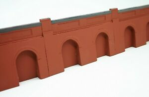 5 X Detailed Model Railway Retaining Wall With Aches For Ho / Oo New Length 1m01 Art De La Broderie Traditionnelle Exquise