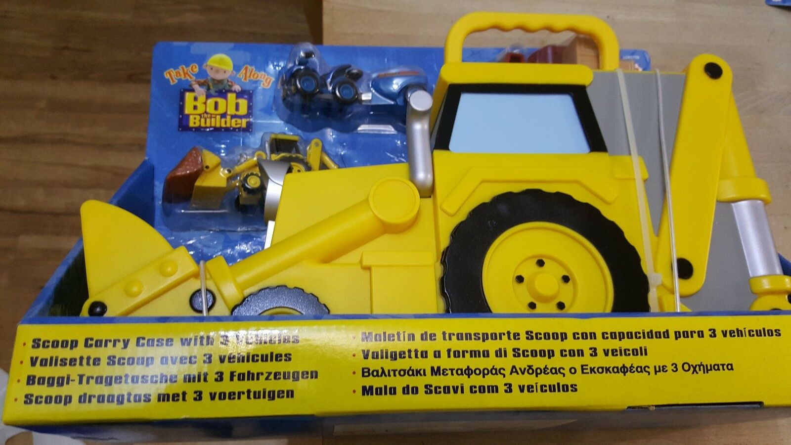 NEW BOB THE BUILDER CARRY CASE TAKE A LONG SCOOP WITH 3 DIE CAST VEHICLES