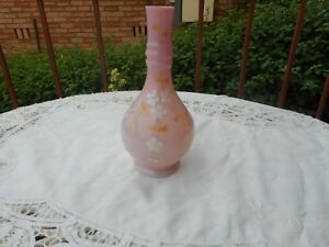 ANTIQUE-HAND-BLOWN-PINK-GLASS-VASE-DECORATED-WITH-WHITE-FLOWERS