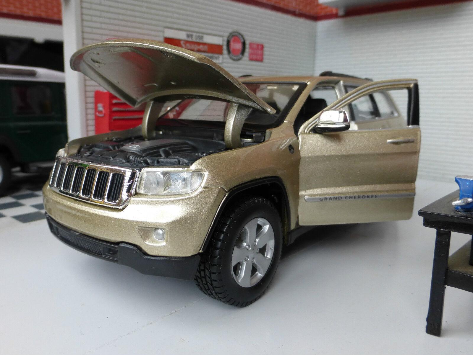 1 24 Scale gold Jeep Grand Cherokee Laredo V8 4x4 Detailed Diecast Maisto Model