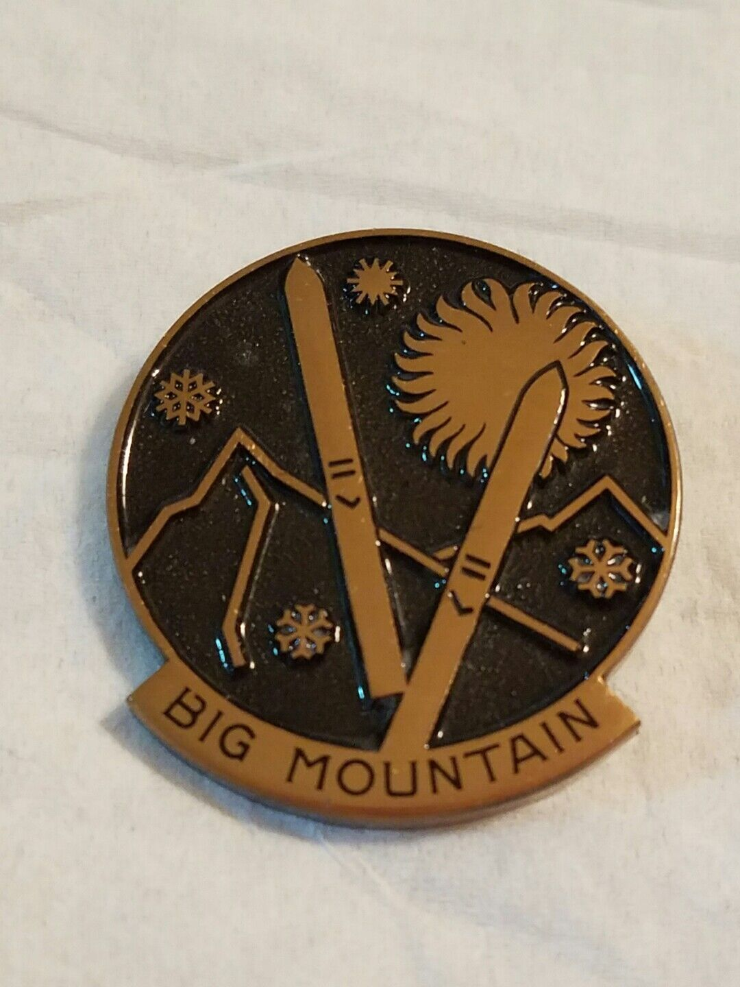 VINTAGE BIG MOUNTAIN MONTANA SKI PIN HUGUENIN SWITZERLAND        A  official website