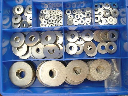 200 Teile Edelstahl Karosserielscheiben Sortimentkasten M6 / M8 DIN 522