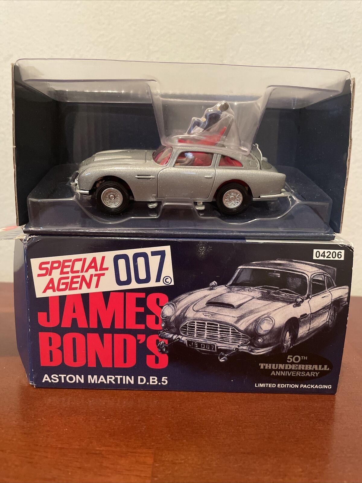 Corgi 04206 1 43 Scale James Bond Aston Martin Db5 Silver 50th Anniv Thunderball For Sale Online Ebay