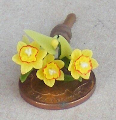 1:12 Scala Mazzo Di 3 Narcisi Tumdee Casa Delle Bambole Miniatura Fiori Da Giardino-mostra Il Titolo Originale Piacevole Al Palato