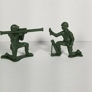 Lot-Of-2-Vintage-Tim-Mee-Toy-Soldiers-1340-All-Excellent-Condition