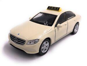 Mercedes-Benz-E-Klasse-Taxi-Modellauto-Auto-LIZENZPRODUKT-1-34-1-39