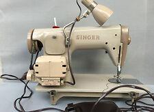 Ancienne machine à coudre vintage électrique à pédale SINGER French antique