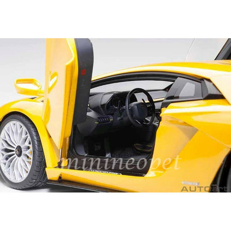 AUTOart AUTOart AUTOart 79132 LAMBORGHINI AVENTADOR S 1 18 NEW yellow ORION   METALLIC YELLOW 158747
