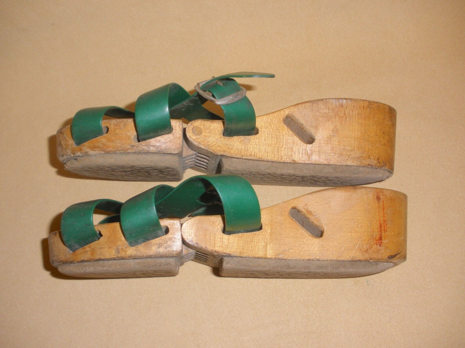 1950's Ladies Flexiclogs in Green Patent 2590648 … - image 3